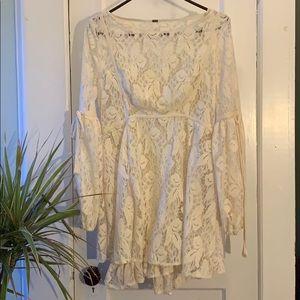 (S) Boho. 2 layer white dress